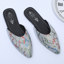 купить Plus Size 41 Retro Print Flower Chinese Slippers Women Mules Shoes Woman Pointed Toe Low Heel Sandals Summer Ladies buty damskie по цене 1008.42 рублей