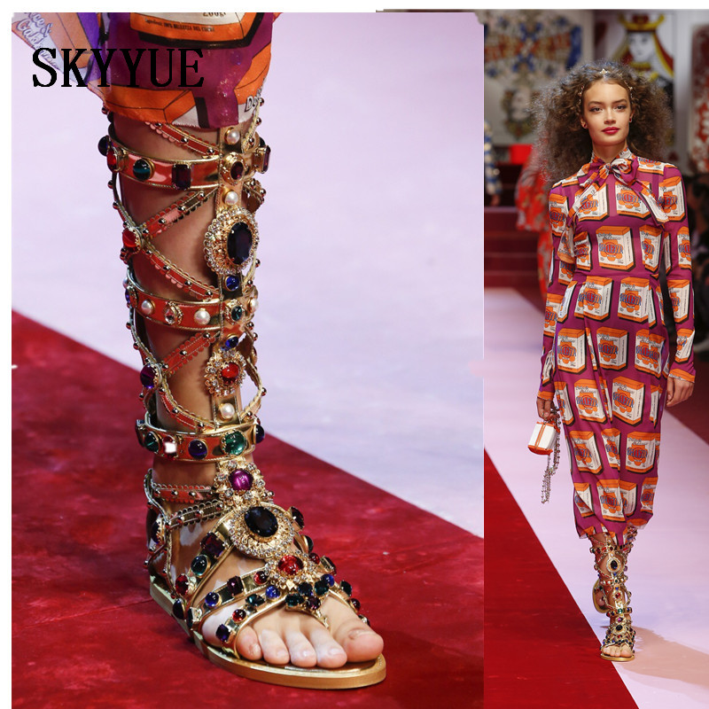 2018 New Knee High Gladiator Gold Crystal Jewelry Beading Women Summer Sandals Open Toe Cutout Women Sandal Flats Shoes Women цена и фото