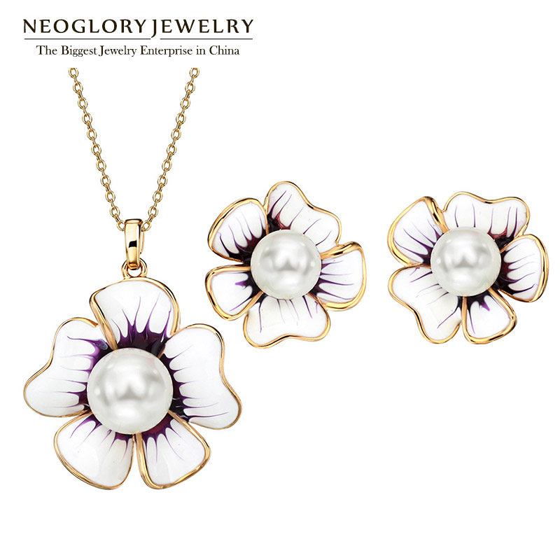 Neoglory Flower Simulated Pearl Necklaces Enamel Earrings Silver Needle Jewelry Sets White for Women 2018 GiftsNeoglory Flower Simulated Pearl Necklaces Enamel Earrings Silver Needle Jewelry Sets White for Women 2018 Gifts