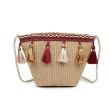Ethnic wind grass bag beach bag 2019 new shoulder bag female Bohemian holiday casual weaving tassel bucket bag сумка через плечо new 2014 hot canvas bucket bag female casual shoulder bag 2015 bl059