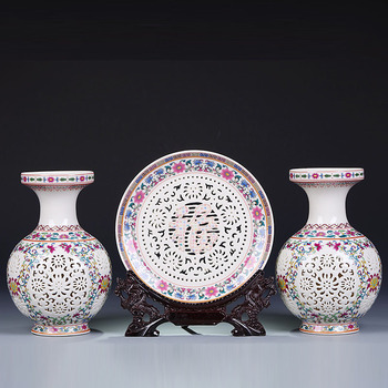 New Arrival Antique Jingdezhen Ceramic Vase Plate Set Chinese Traditional Decoration Pierced Vases Flower Porcelain Vase