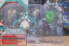 Japanese anime figure Hatsune Miku Figma 024 Snow Miku Snow Bell ver. PVC Action Figure Collectible Model Toy(China)