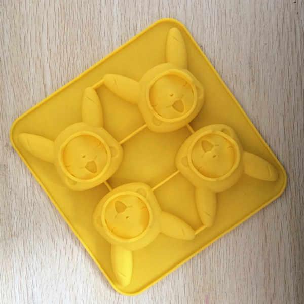 Venta al por mayor/venta al por menor de envío gratis 4 agujero Bika bola molde de silicona de jabón hecho a mano molde de hornear