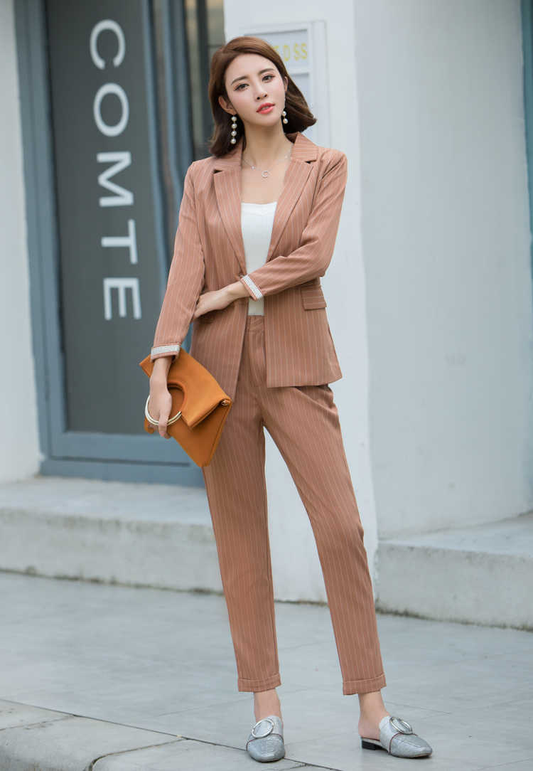 Fantastic Ladies Pant Suits For Weddings Images - Womens Dresses ...