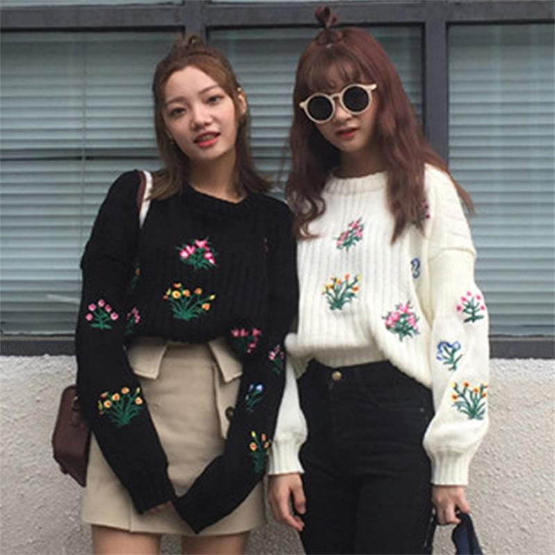 Autumn And Winter Women 's New Small Fresh Flowers Embroidery Short Loose Long - Sleeved Sweater Sets Of Sweaters