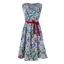 цена Sisjuly vintage women floral print v-neck dress summer 2019 hot sale sleeveless a-line black retro elegant womens short dresses онлайн в 2017 году