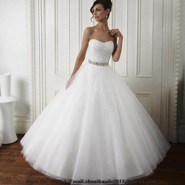 Modest White Ball Gown 2017 Cheap Quinceanera Dresses Organza With