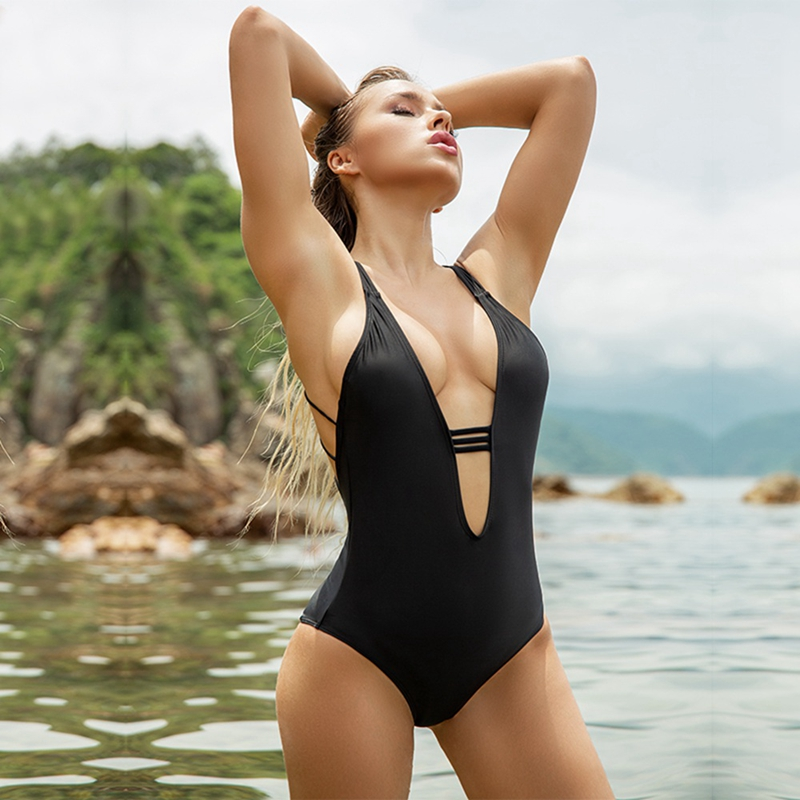 Sexy Solid Swimwear Women 2019 New Summer Bathing Suit Black Criss Cross Back String and Deep V-Neck Halter Swimsuit