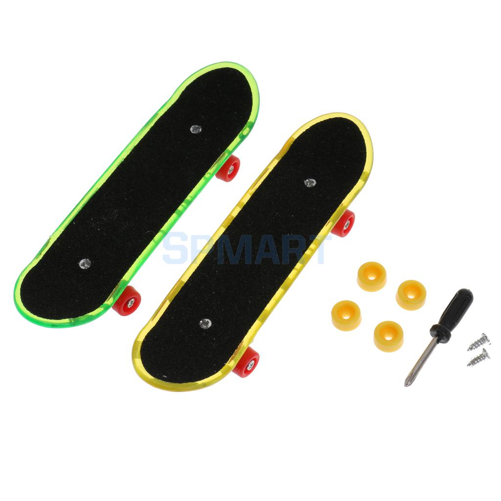 2Pcs/Pack Mini Finger Board Fingerboard Skateboard Toy Kids Sports Game Toy Gift with Tool