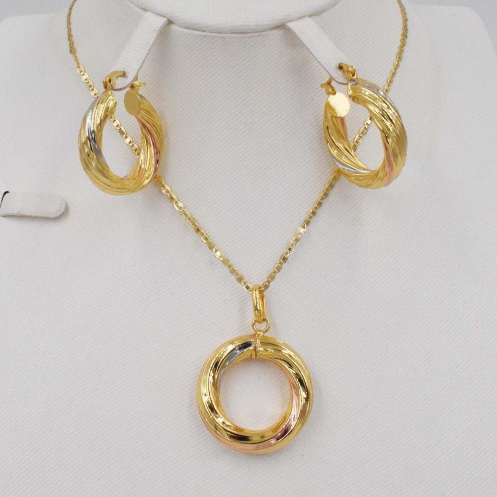 New High Quality   Dubai Gold jewelry sets 3color earring  and pendant For madam party Gifts African jewelry  Women setNew High Quality   Dubai Gold jewelry sets 3color earring  and pendant For madam party Gifts African jewelry  Women set