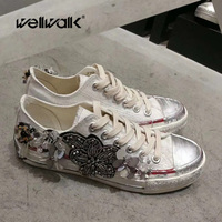 WELLWALK Handmade Bead flower Vulcanize shoes for ladies lace up Canvas with Crystal drill flower sneaker graffiti walking shoes