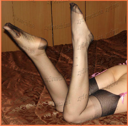 Pantyhose with reinforce heel and toe