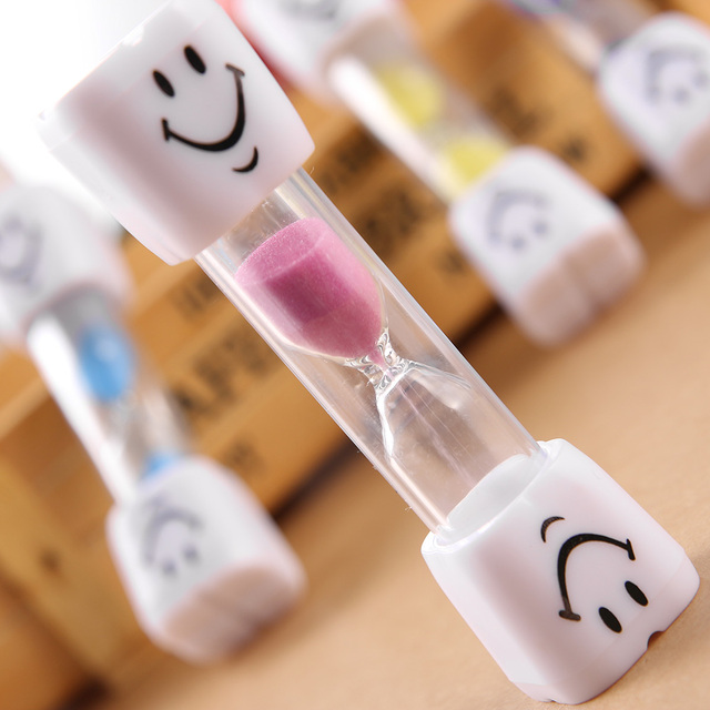 1PC Cute Smile Face Pattern Hourglass Children Toothbrush Timer 3