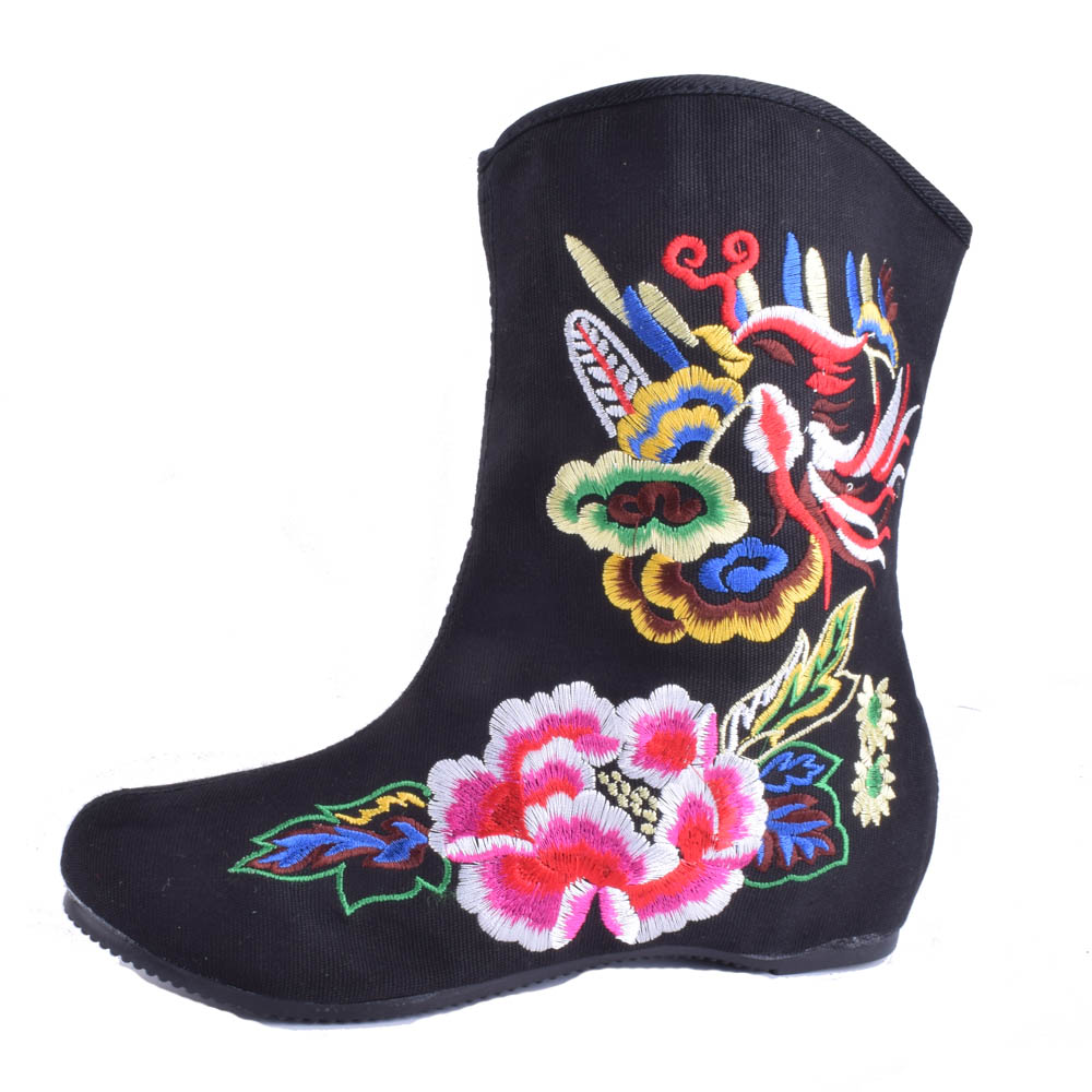 Chinese Women Boots Flower Embroidered Casual Canvas Short Ankle Boots Autumn Ladies Black Booties Winter Shoes Zapato Mujer veowalk winter warm fur women short ankle boots cotton embroidered ladies casual canvas 5cm heels wedge platform booties shoes