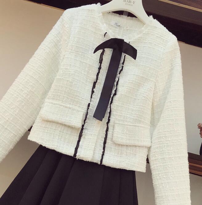 Veste Mini Petit Dames Deux Costume Femmes 2018 pièce Blanc Boutons Manteau Jupe Hiver Jupes Automne Plissée Parfum Arc Tweed Élégant oBCxed