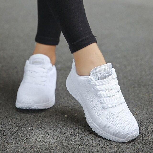 סניקרס נשים נעלי ספורט שרוכים למתחילים גומי אופנה רשת עגול צלב רצועות שטוח סניקרס נעלי ריצה נעליים יומיומיות