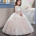 Princesa vestido de Baile Lace Flor Meninas Vestido de Manga Longa Barato 2017 Meninas Primeira Comunhão Casamento Vestido de Festa Com Faixa Rosa Dess