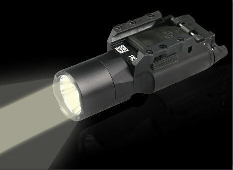 ФОТО Promotional! 180Lumens Hunting Camping Hiking X300 LED Weapon Light for Outdoor Tactical Hunting Shooting Free Shipping