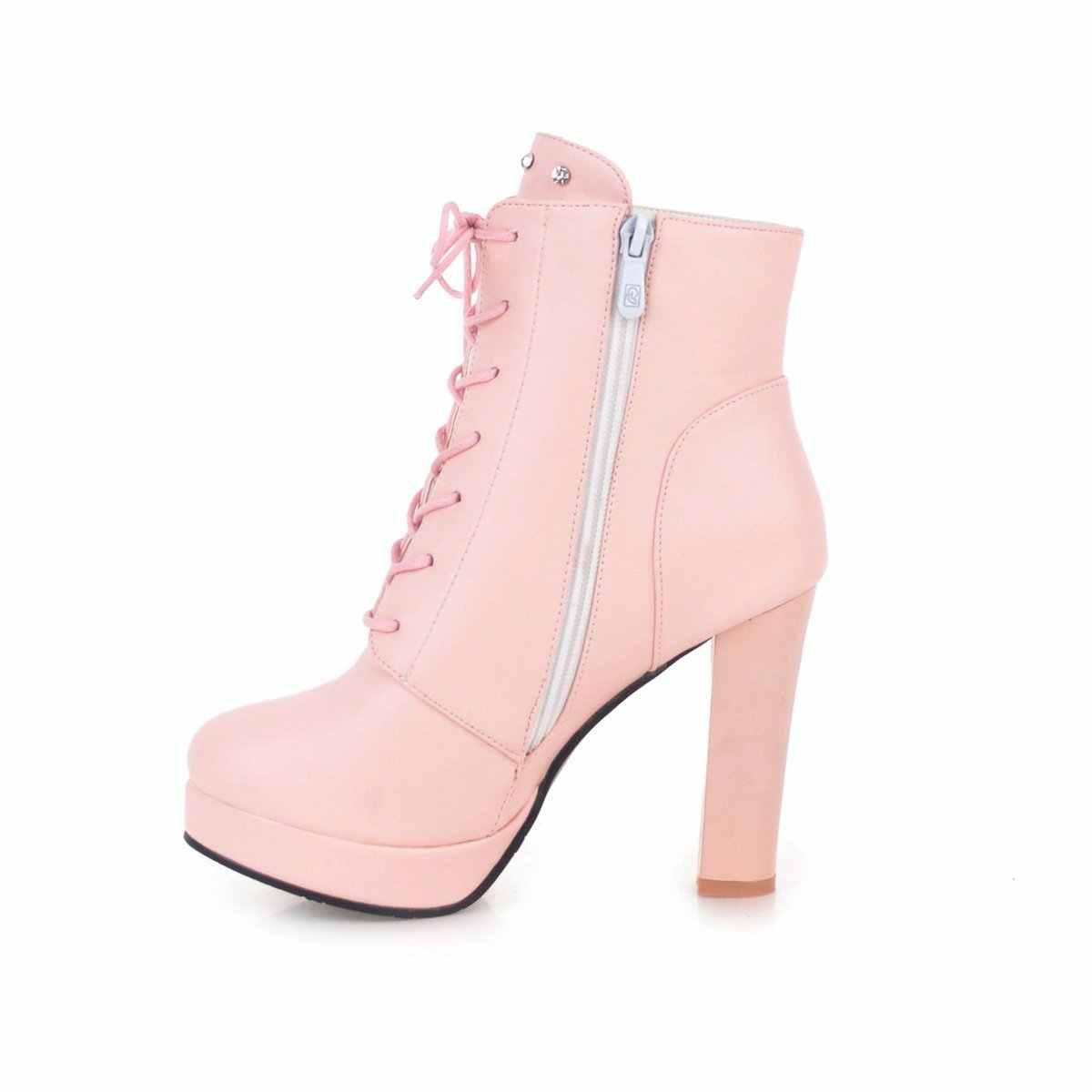 Sevimli pembe beyaz siyah çiçek yarım çizmeler kadın blok yüksek topuklu çizmeler Lace Up bayanlar çizmeler yuvarlak ayak sonbahar kış çizmeler