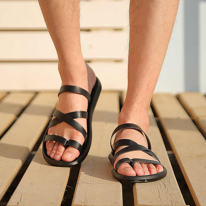 092e2dec ... Men Sandals Casual Summer Beach Slippers Leather Ankle Strap Cross-tied  Gladiator Sandals Thongs Shoes