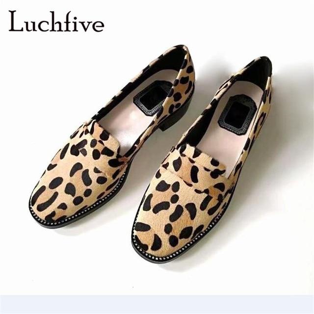 Новая стильная женская обувь на плоской подошве с леопардовым принтом, с круглым носком, на низком квадратном каблуке, для отдыха, пикантная Весенняя женская обувь на меху