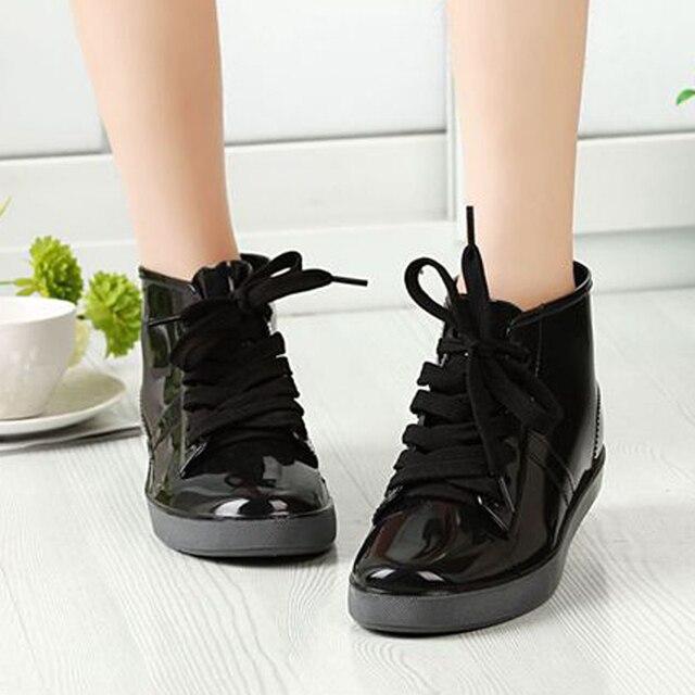Кружева Up Резина резиновые полуботинки Ботинки Для женщин модные однотонные Туфли без каблуков резиновая Ботинки Водонепроницаемый женские сапоги резиновые сапоги feminina Dames laarzen