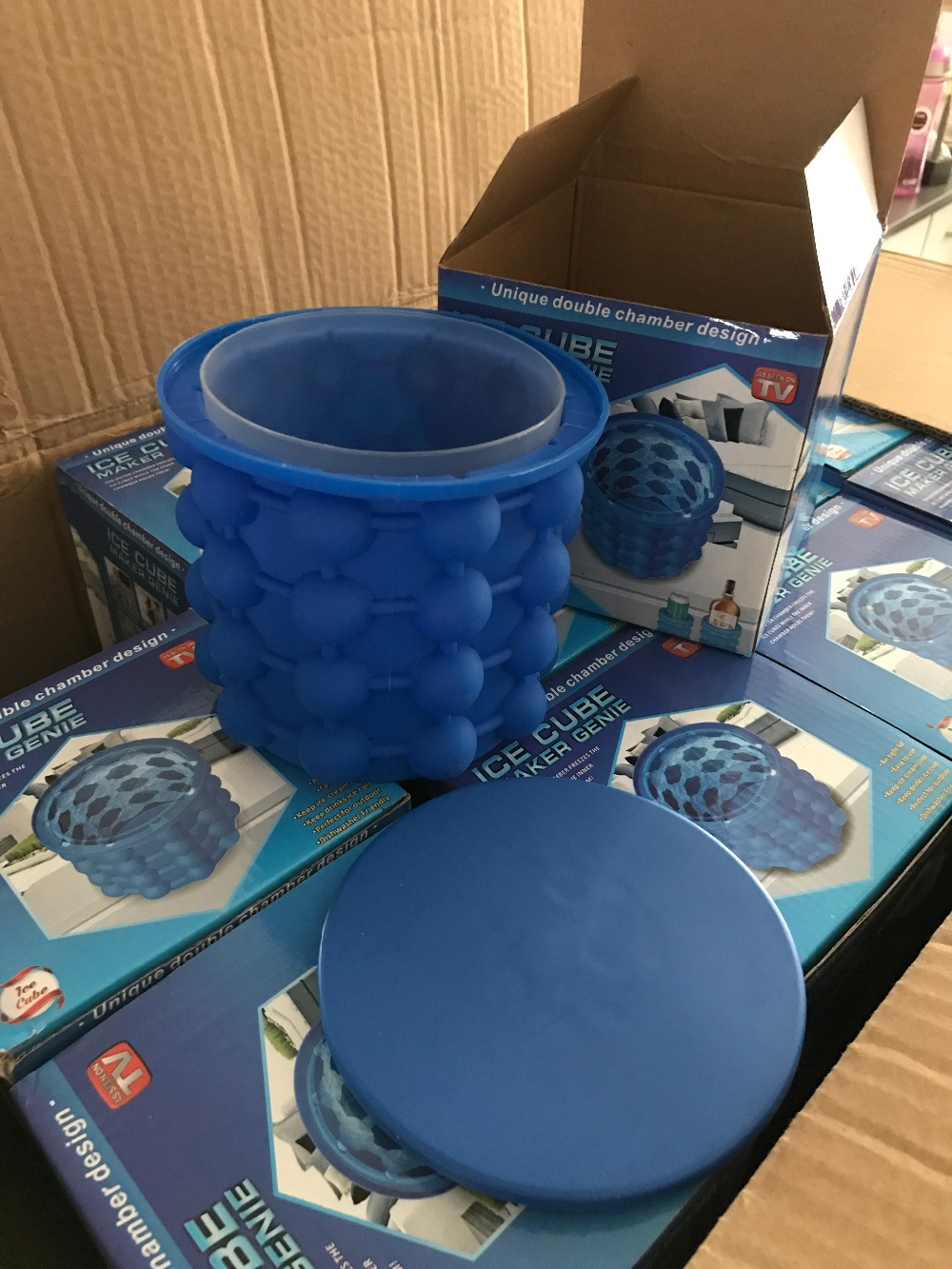 New Ice Cube Maker Genie The Revolutionary Space Saving Ice Cube Maker Ice Genie Kitchen Tools Drop Shipping