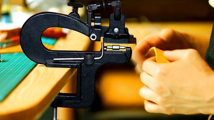 Professionale In Pelle Artigianali di Sbucciatura Macchina Bordo Scarnitrice Cuoio Splitter Skiver