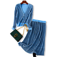 Korean 2018 Autumn New 2 Piece Set Women Two Piece Set Europe Fashion Gold Wire Knitting Cardigan Crop Top And Skirt Set