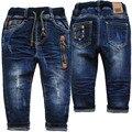 3995 0-4 años pantalones vaqueros del bebé pantalones de los muchachos azul marino primavera otoño kids boy pantalones agujerean los pantalones del bebé pantalones casuales niño de la manera