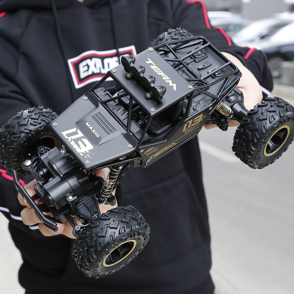 RC coche 1/16 4WD Rock rastreadores 4x4 coche motores dobles conducir Bigfoot coche de Control remoto modelo de coche vehículo de juguete