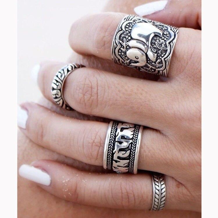 aabb61abc7d7 4 unids set 2018 Vintage Punk anillo de plata antiguo tallado único anillos  afortunados de la hoja del tótem del elefante para las mujeres Boho Beach  ...