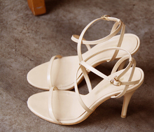 Hot new European and American summer sandals, fashion high-heeled women's sandals, summer shoes beige fine with the ladies