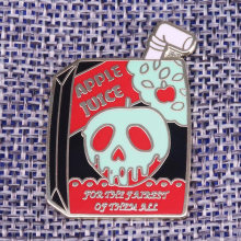 Apple Juice Bros Salju Putih Terinspirasi Racun Apple Enamel Pin Horor Gothic Seni Lencana Hadiah Baru Halloween Aksesori(China)