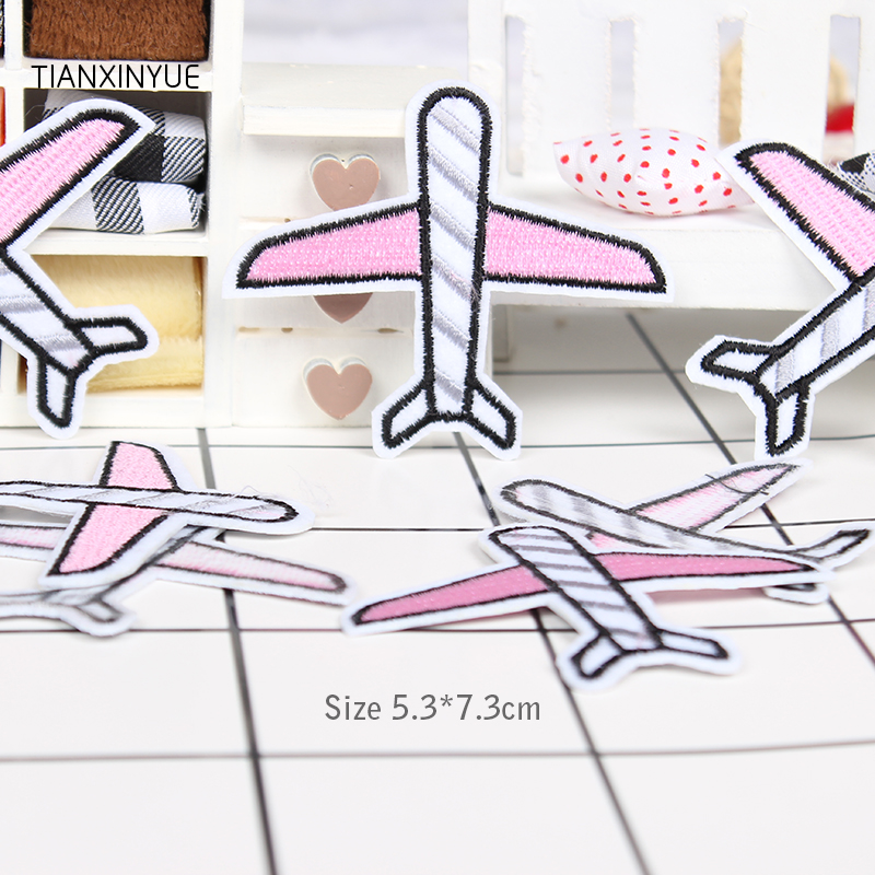 20 pcslot 5.3*7.3cm Pink airplane patch puppies embroidery badge patches for clothing sew hot iron on jeans DIY patchwork