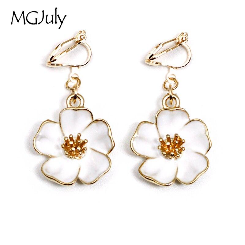 Us 1 5 60 Off Fashion Flower Clip On Earrings No Ear Hole Plant White Without Piercing Minimalist Women Earring Jewelry Ce012 In