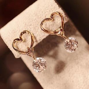 2018 New Fashion Crystal Earrings for Women Pearl Women Branch Shell Pearl Flower Stud Earrings Female
