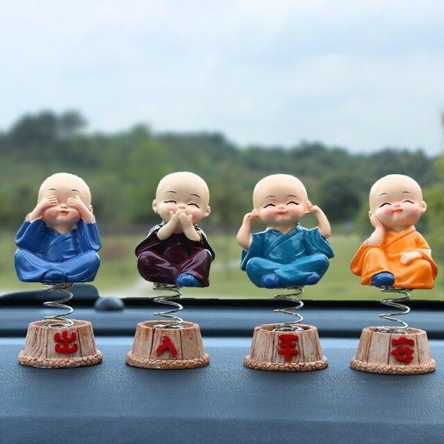 車の装飾品4ピース/セット樹脂へまヘッド人形フィギュア装飾トミー僧侶弥勒仏フィギュアギフトデスクの自動ペンダントチャーム