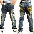 Os Recém-chegados 2016 calças de Brim Menino Moda Carta Imprimir Bolso Solto Hetero Magro Casual Crianças Meninos Calças das Crianças Meninos de Roupas
