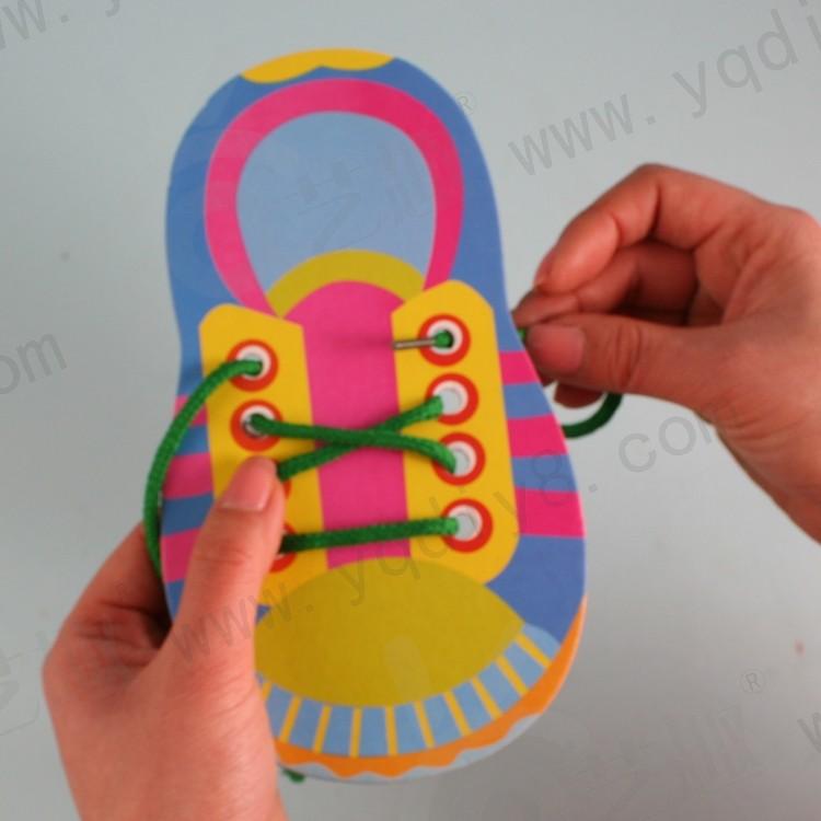 Sepatu kardus bayi dengan tali teka-teki / anak-anak praktek anak - Permainan dan teka-teki - Foto 1