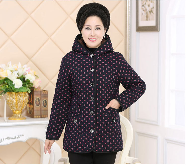 2017 Old  grandmother winter coat 60 mother short paragraph thicker down jacket 70-year-old middle-aged cotton clothes 2017 in the elderly female winter down jacket large size short paragraph mother loaded 40 50 year old thicker grandmother jacket