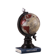 цена на 2 Colors Europe Style Globe Resin Crafts Piggy Bank Globe Miniature Money Box Retro Figurine Vintage Gift Home Decor Accessories