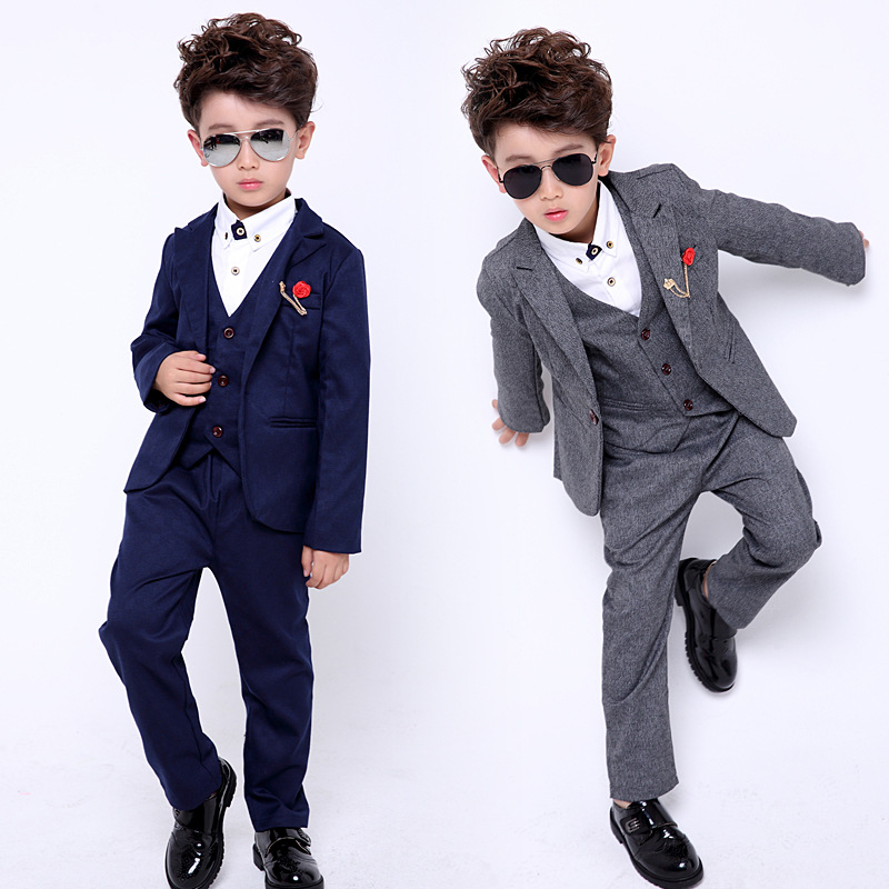 купить 2017 New 3PCS(Jacket+Vest+Pants) Kids Wedding Blazer Suit Flower Boys Formal Tuxedos School Suit Kids Spring Clothing Set по цене 2196.32 рублей