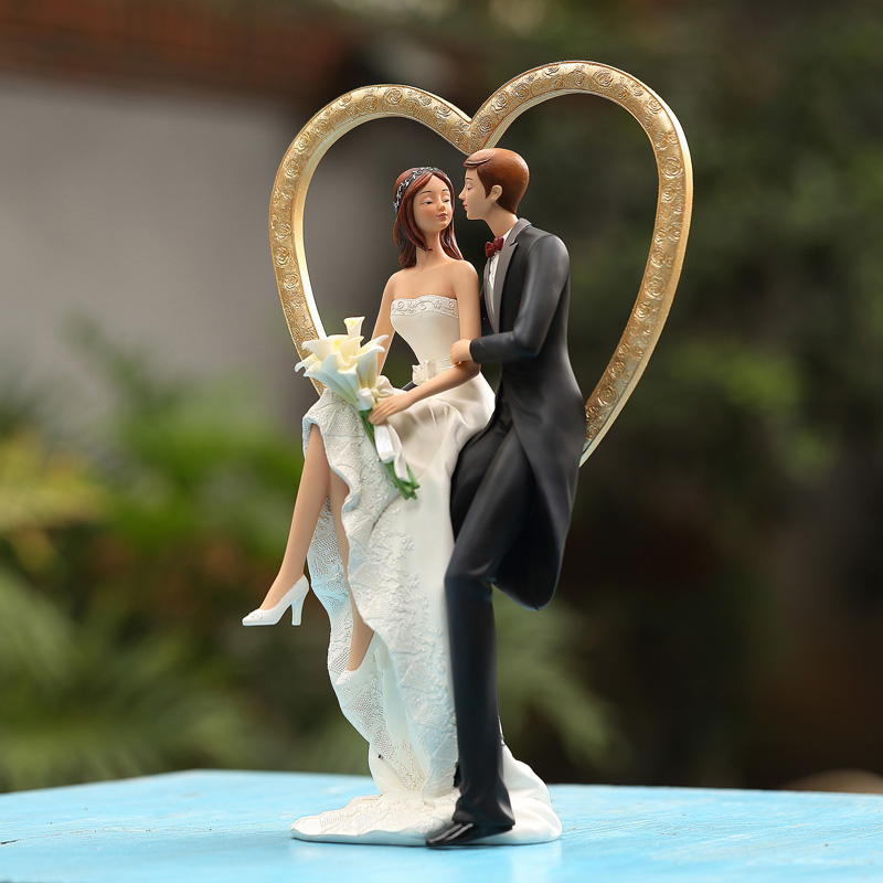 Captivating Continental Bride And Groom Sitting On The Living Room Decoration Love  Swing Friends Wedding Gifts Creative High End Home Access In Shoe  Decorations From ...
