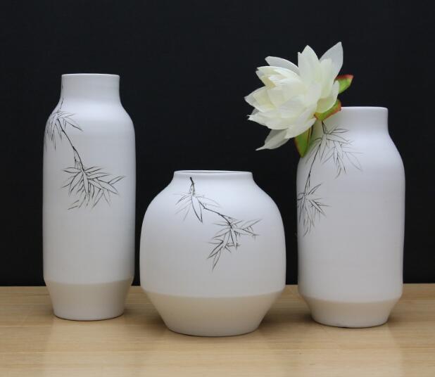 Гостиной домашнего интерьера аксессуары, керамические вазы, украшения, современный минималистский ремесла