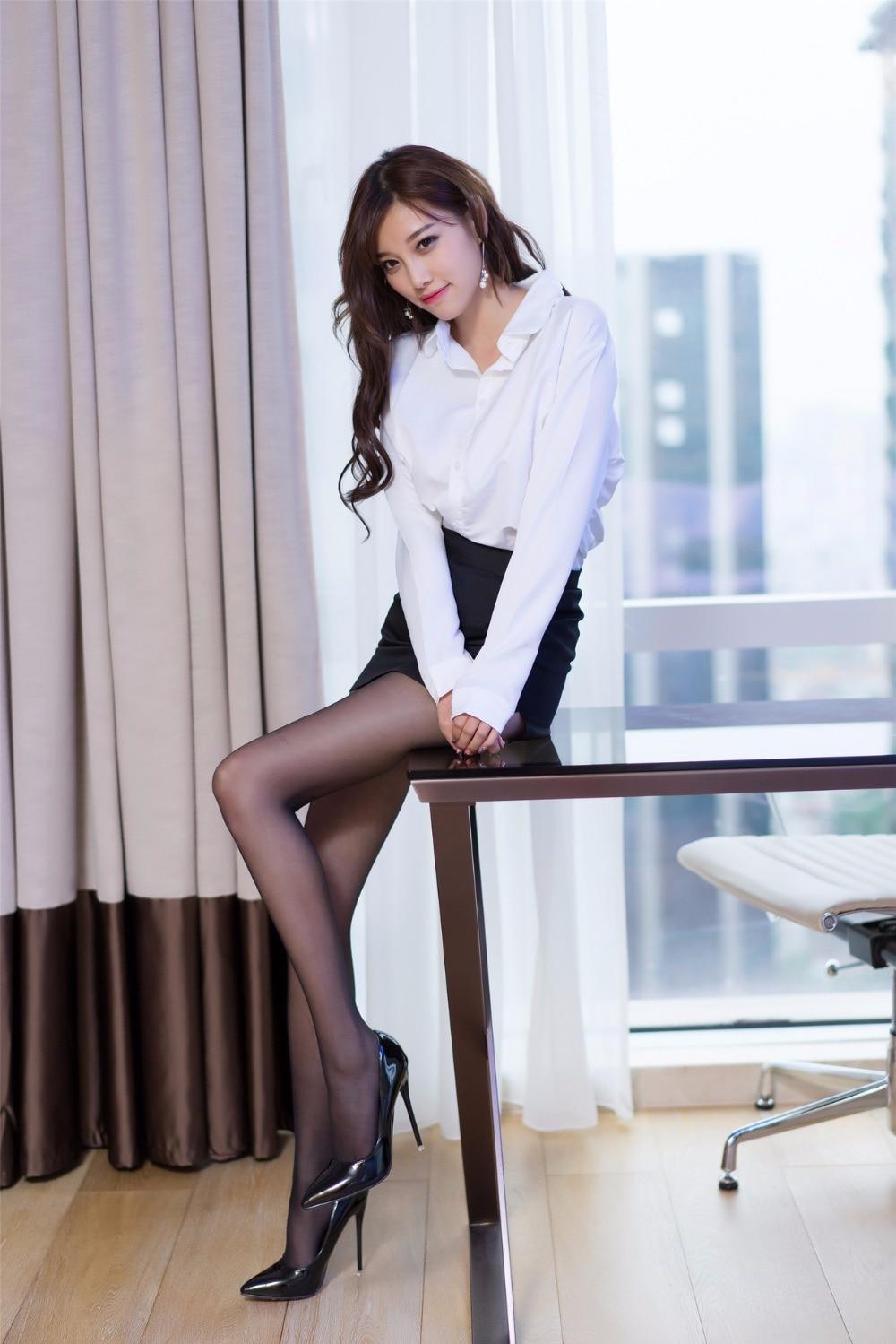 китаянки в кружевных мини юбки длинные ноги красиво - 8
