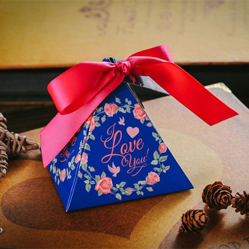 Royal Wedding Gifts: Creative Floral Triangular Pyramid Wedding Favors Love You
