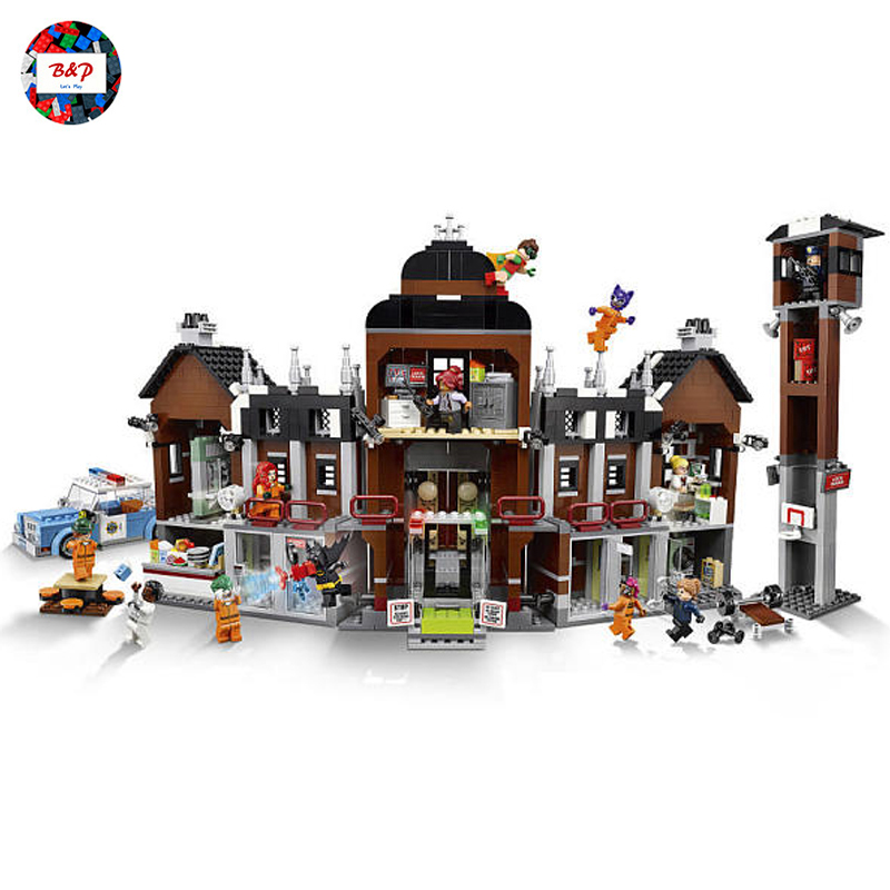 LEPIN 07055 Super Heroes Series 1628pcs THe Arkham`s Lunatic Asylum Building Block Bricks set Toys For children Legoing 70912 2018 dhl lepin 07055 1628pcs new batman movie series the arkham s lunatic asylum set building blocks bricks toys 70912