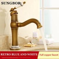 Bathroom Retro Style Deck Mounted 360 Rotation Bathroom Sink Basin Faucet Antique Brass Single Handle Basin Faucetmixer Tap