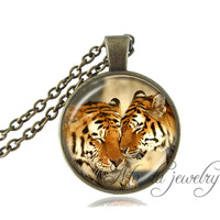 Two Tiger Necklace Wildlife Pendant Vintage Big Cat Jewelry Bronze Chain Photo Tiger Choker Animal Neckless